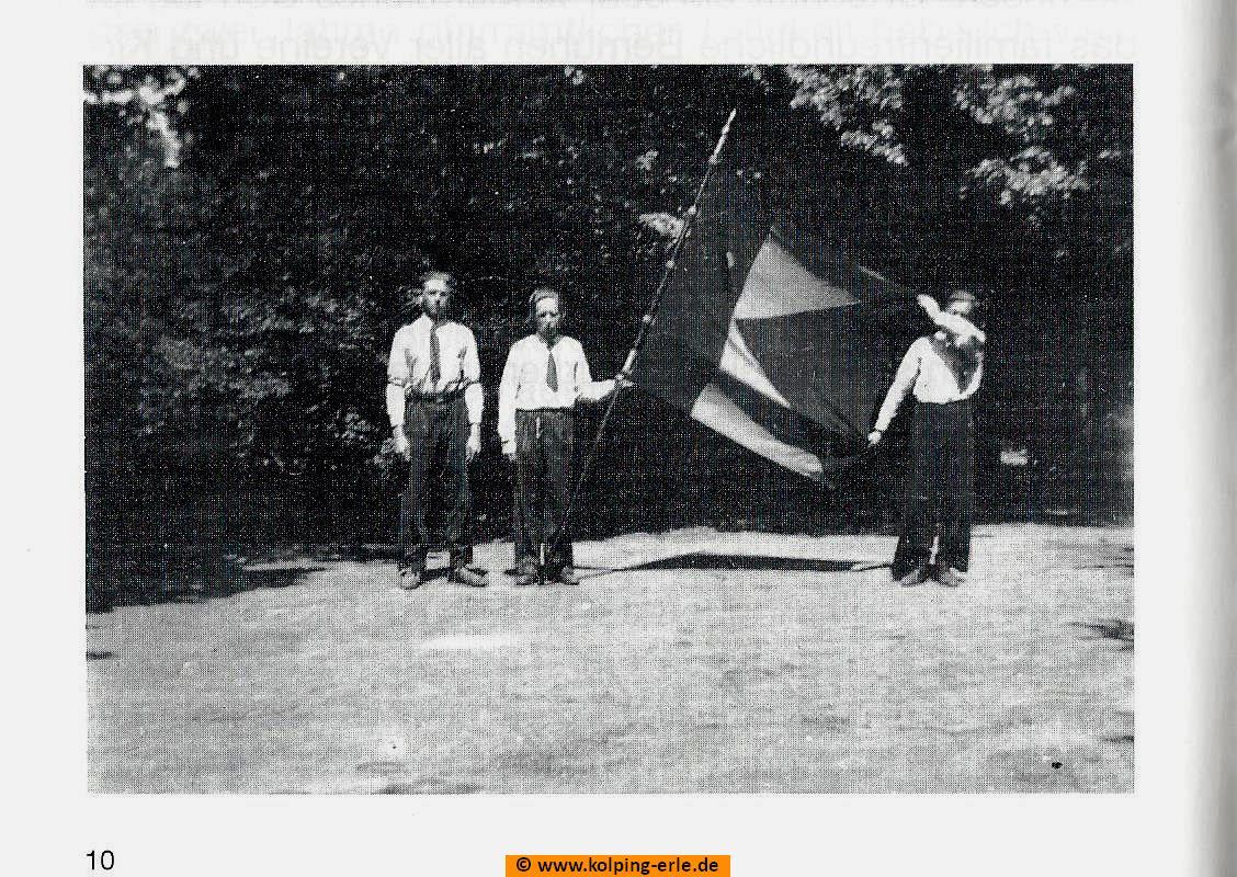 Mit dem Banner der KF Erle nach Köln