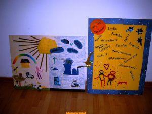 Das Bild zeigt zwei Themenplakate