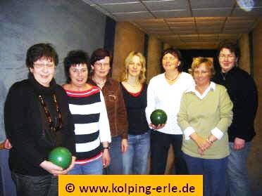Das Bild zeigt die Damenmannschaft von 2008 der Kolpingsfamilie-Erle