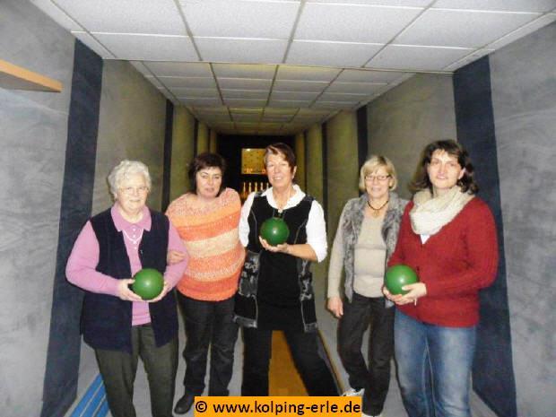 Das Bild zeigt die Damenmannschaft von 2013 der Kolpingsfamilie-Erle
