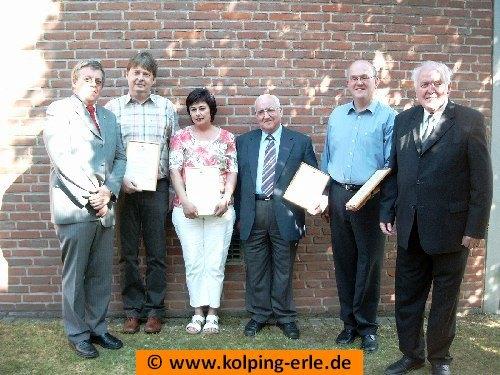 v.l. Vorsitzender Ludger Ascamp, Rainer Grömping, Claudia Schmidt, Heinrich Kruse, Arno Brömmel, Präses Barlage.
